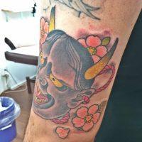 般若と桜のタトゥー画像